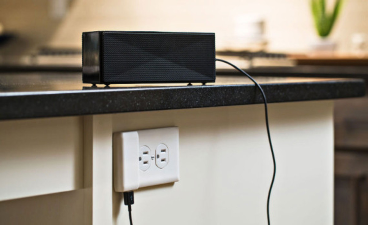 SnapPower -  One Screw Turns Any Outlet into a USB Port - 1