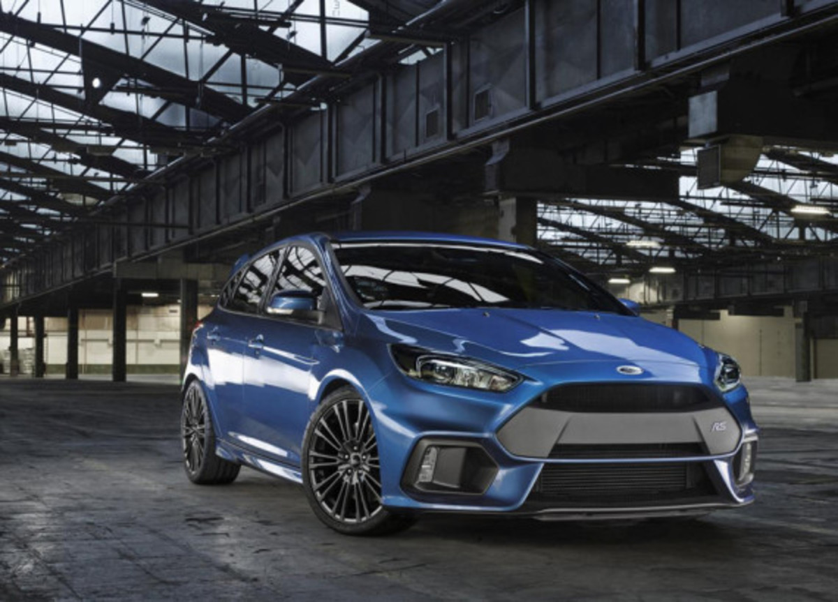 2016-ford-focus-rs-01