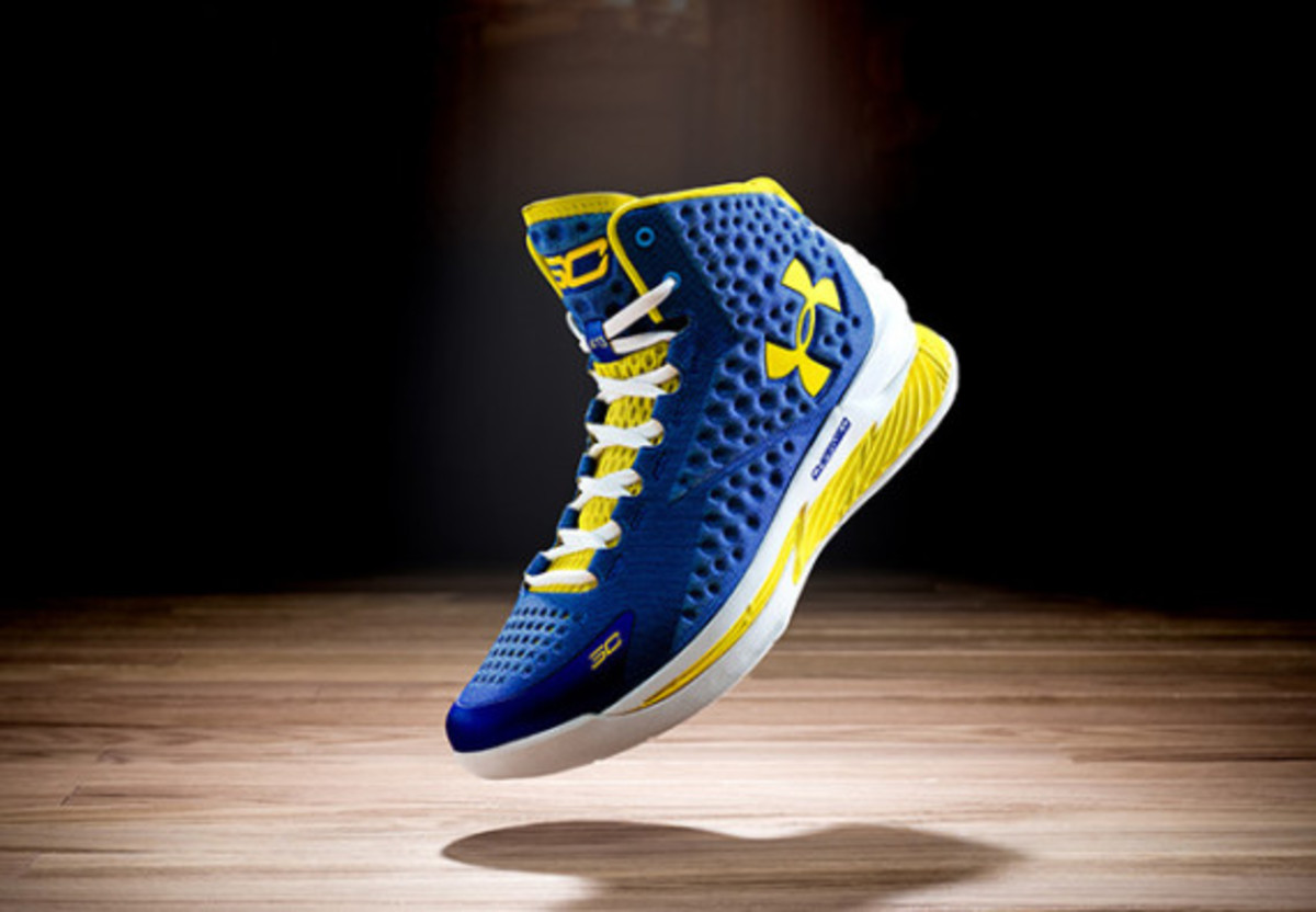 under-armour-curry-one-charged-by-belief-03