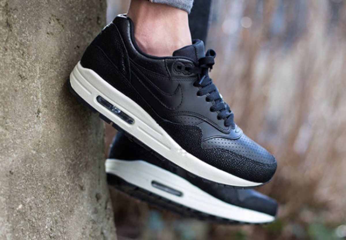 """Nike Air Max 1 Leather """"Caviar"""" - Now Available - 2"""