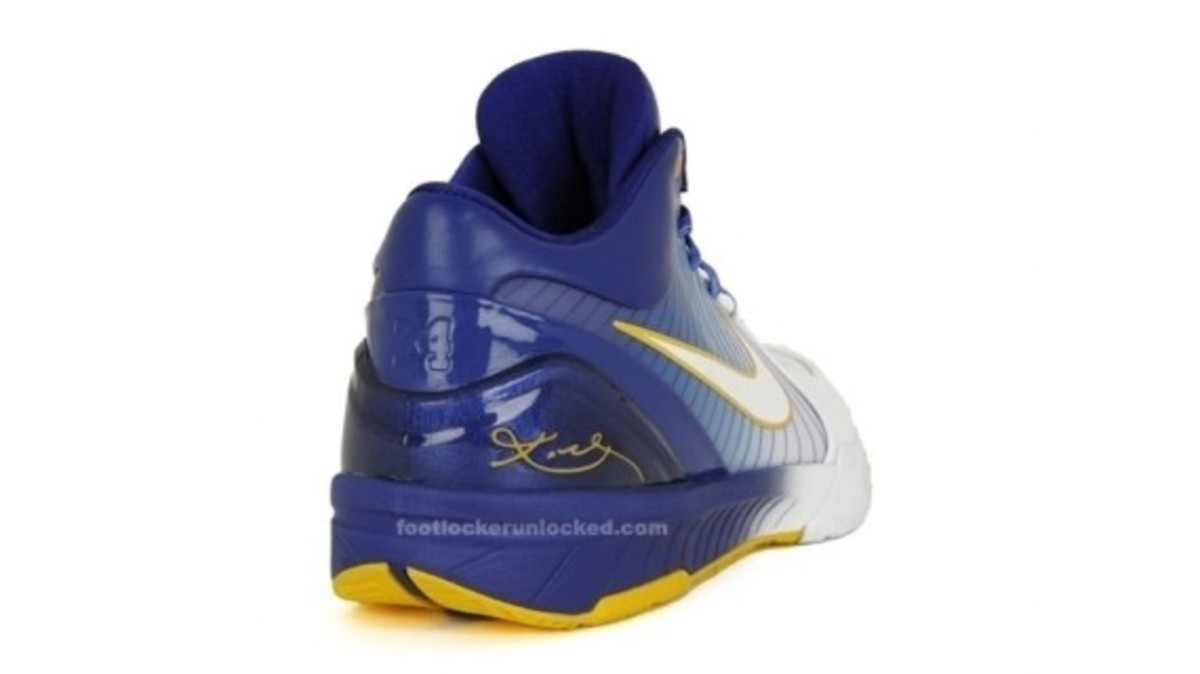 nike_kobe_iv_white_gold_purple_4