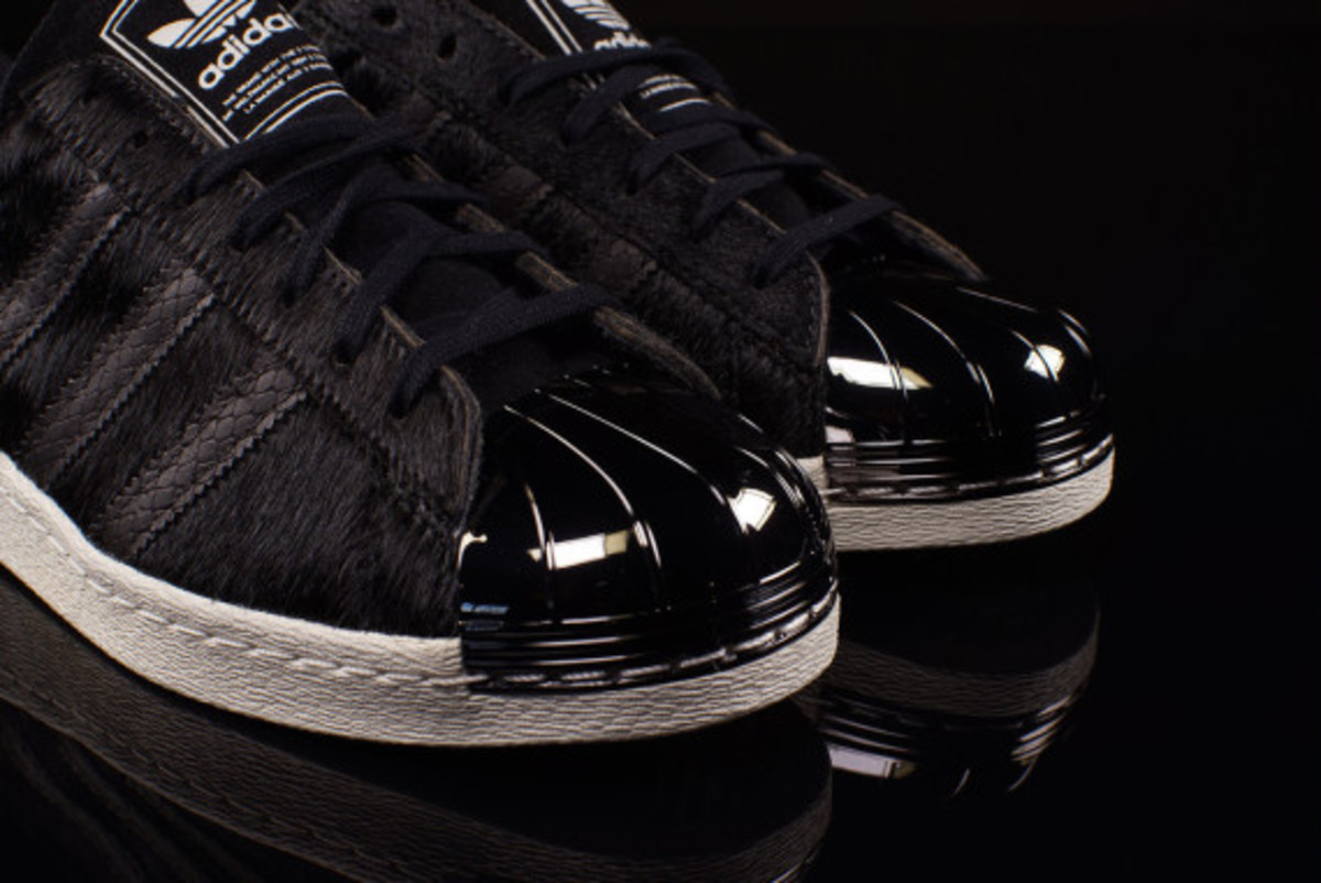 adidas-originals-80s-superstar-metal-toe-pony-hair-04