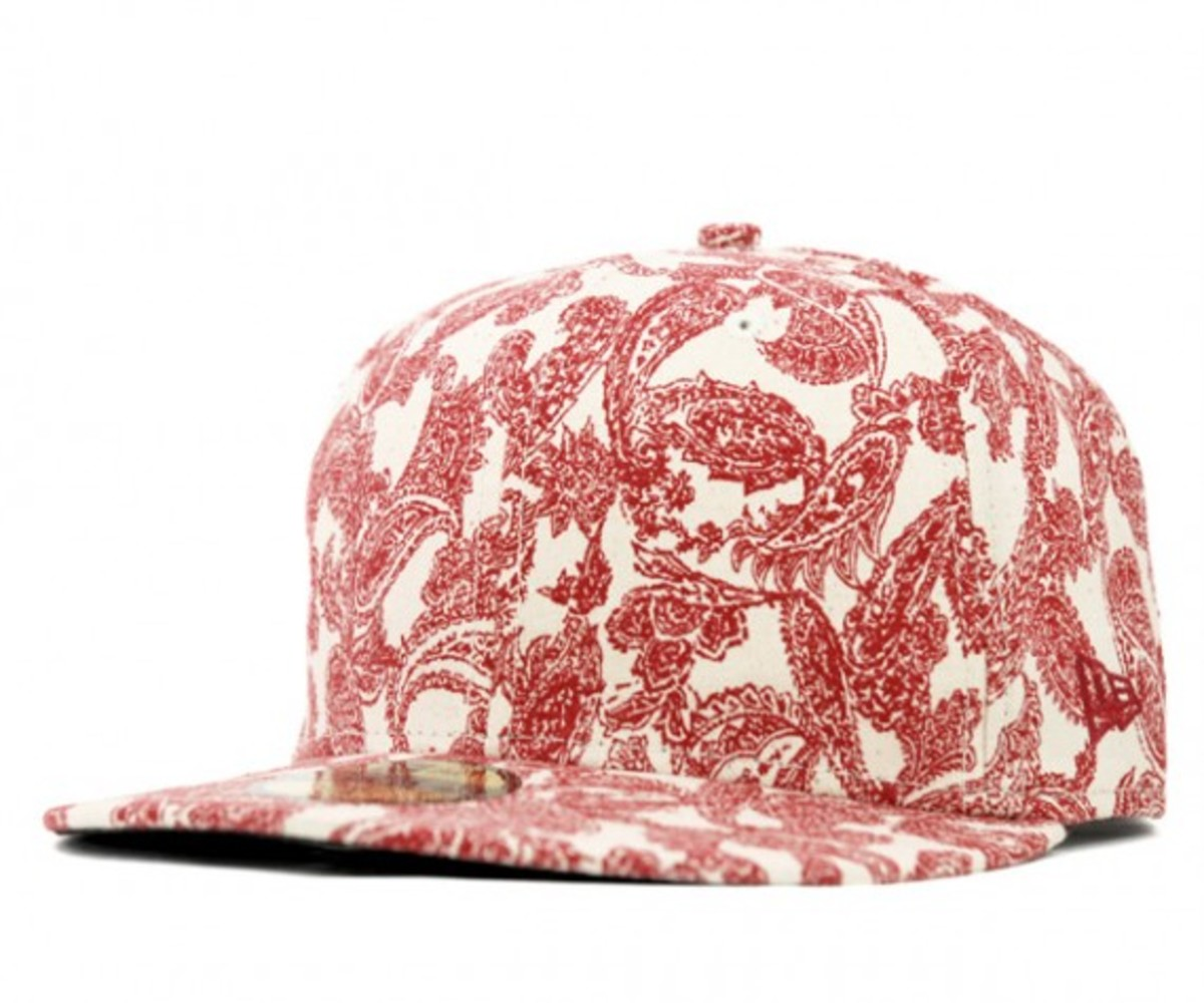 paisley-white-red