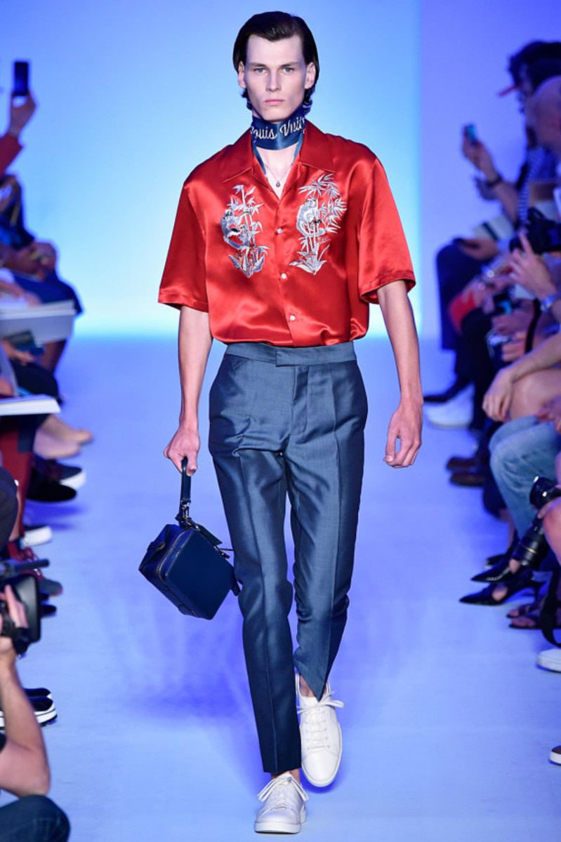 louis-vuitton-spring-summer-2016-collection-runway-show-02