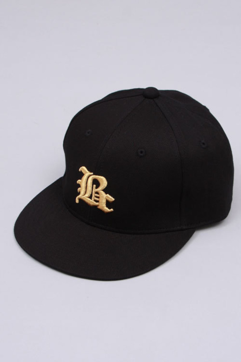 fitted-black