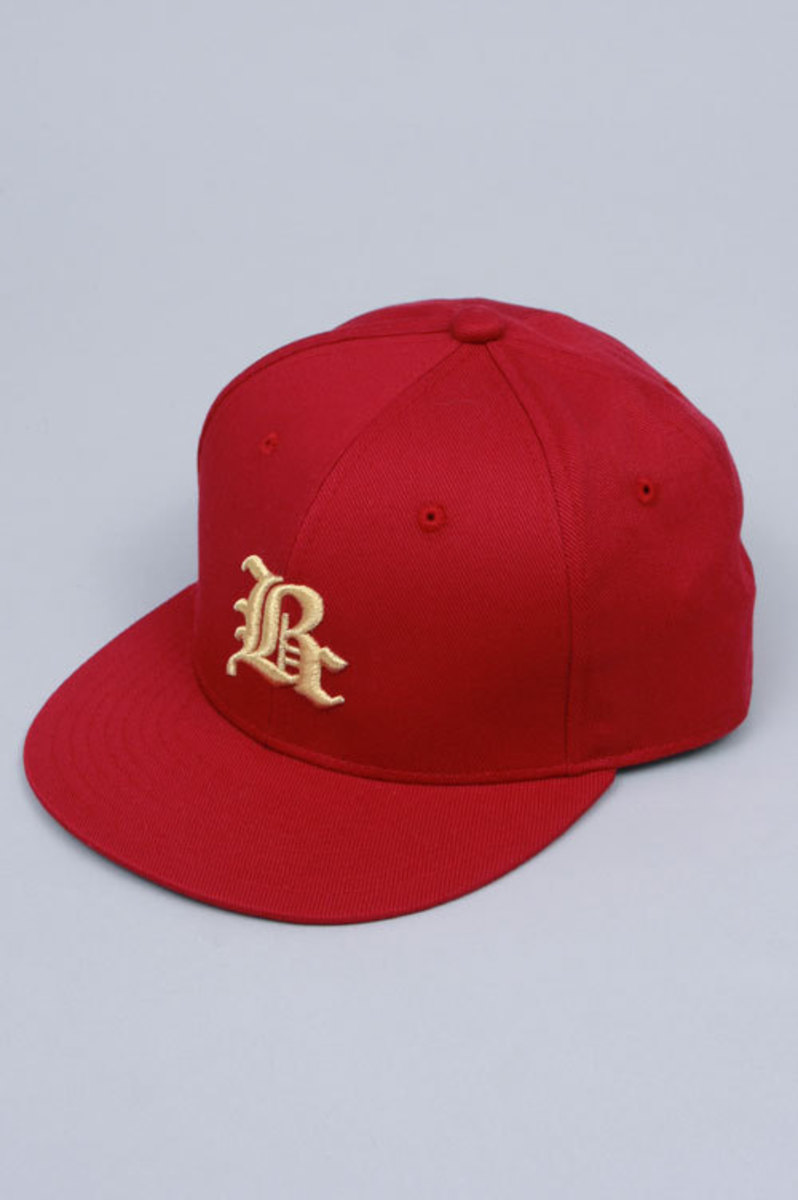 fitted-red
