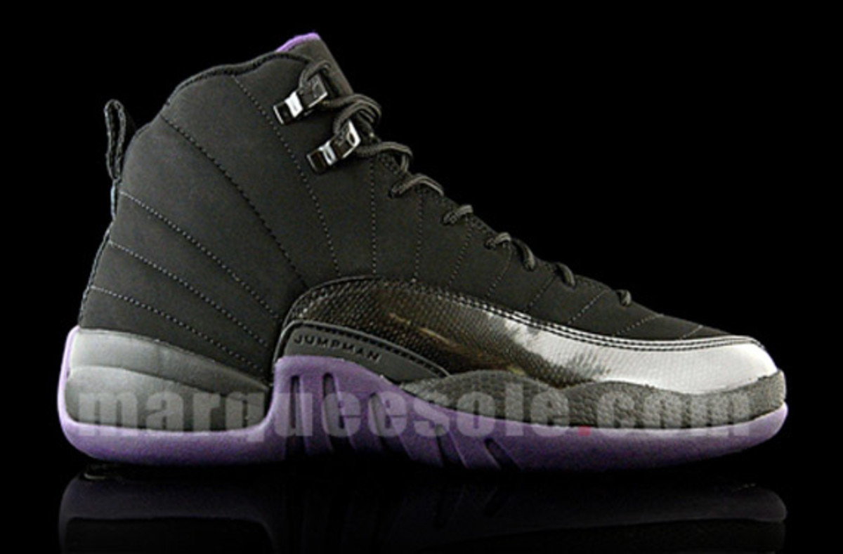 jordan_12_varsity_purple_black_2