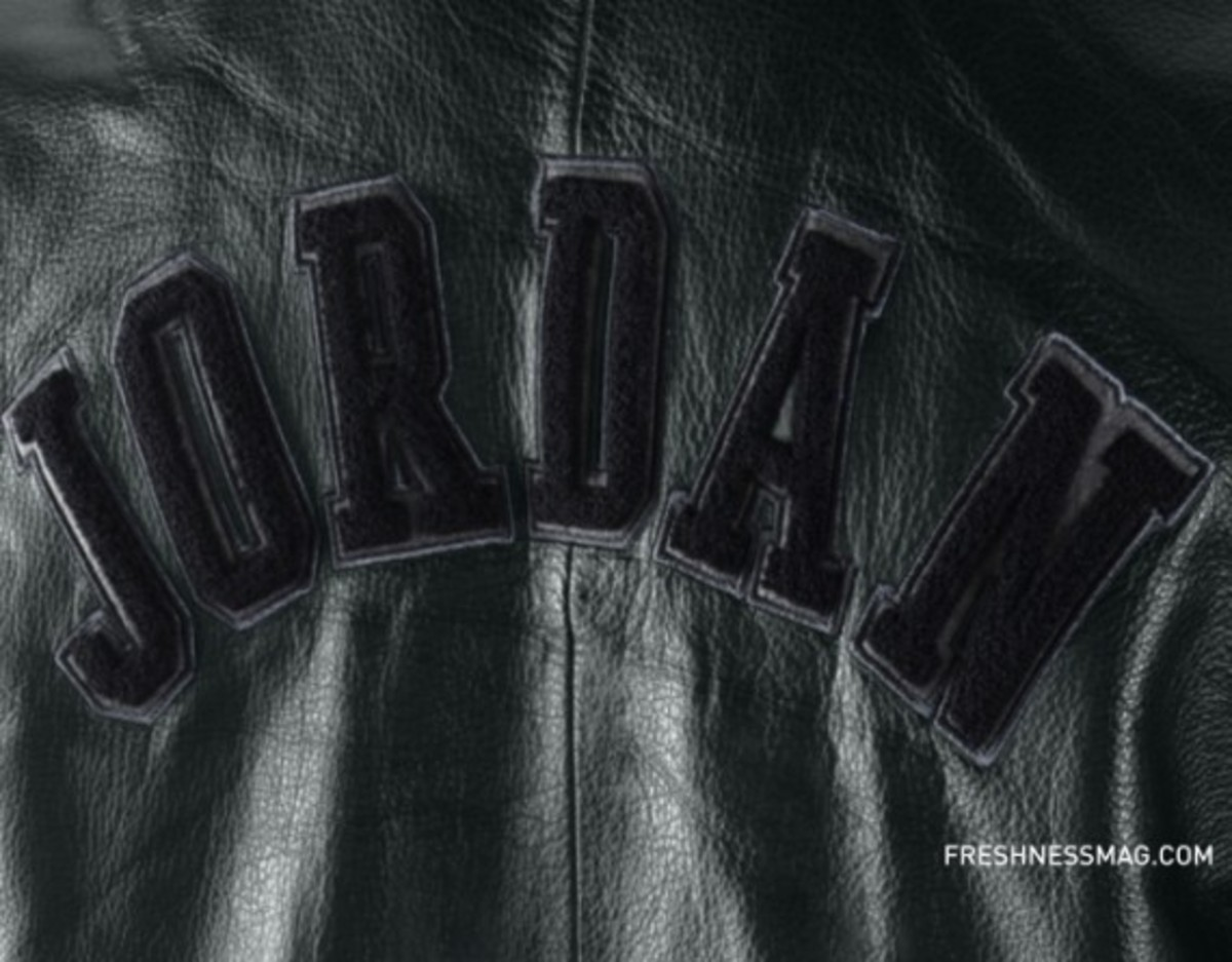 jordan-hall-of-fame-letterman-jacket-back-379937-010-02