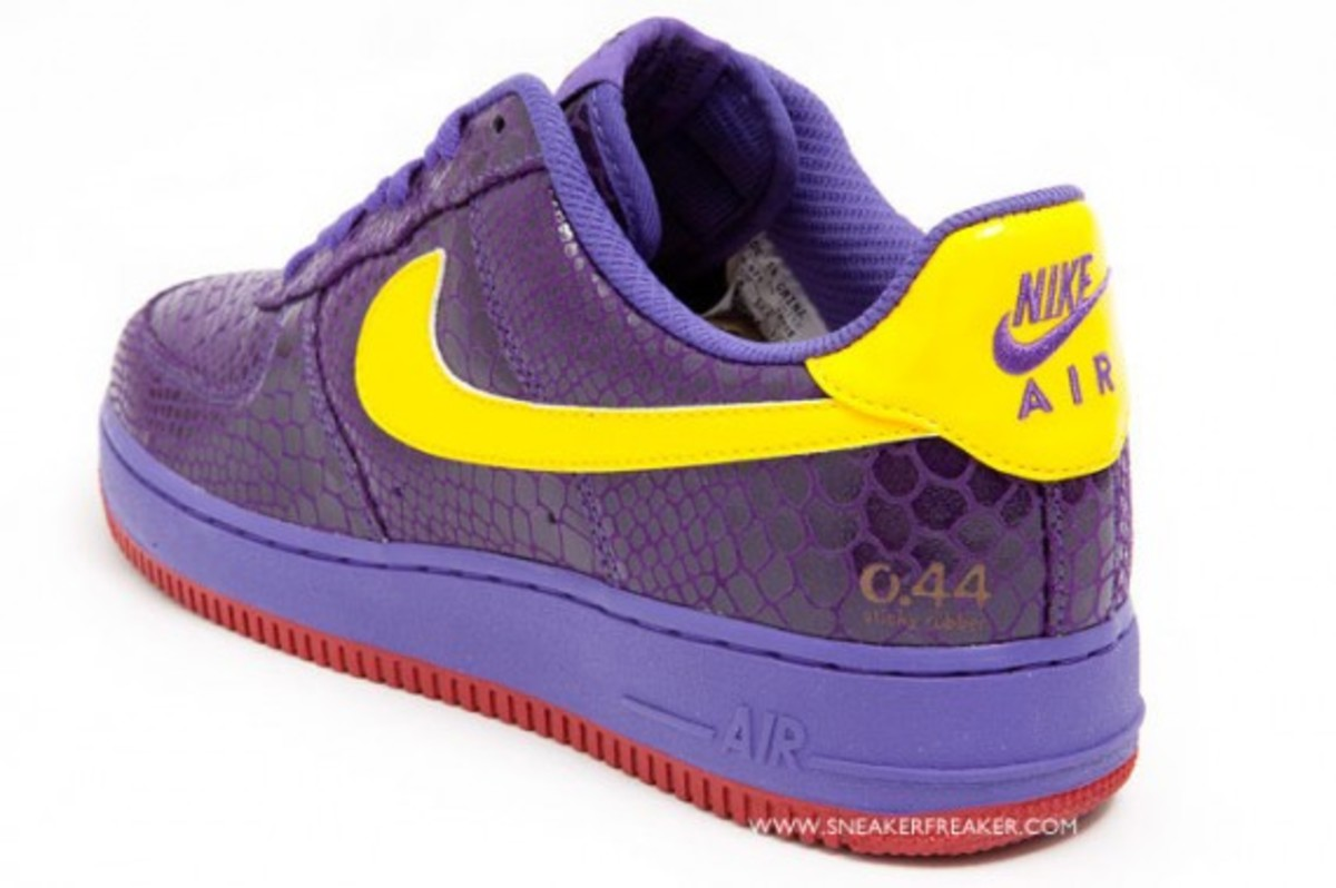 nike-air-force-1-low-supreme-rivals-west-