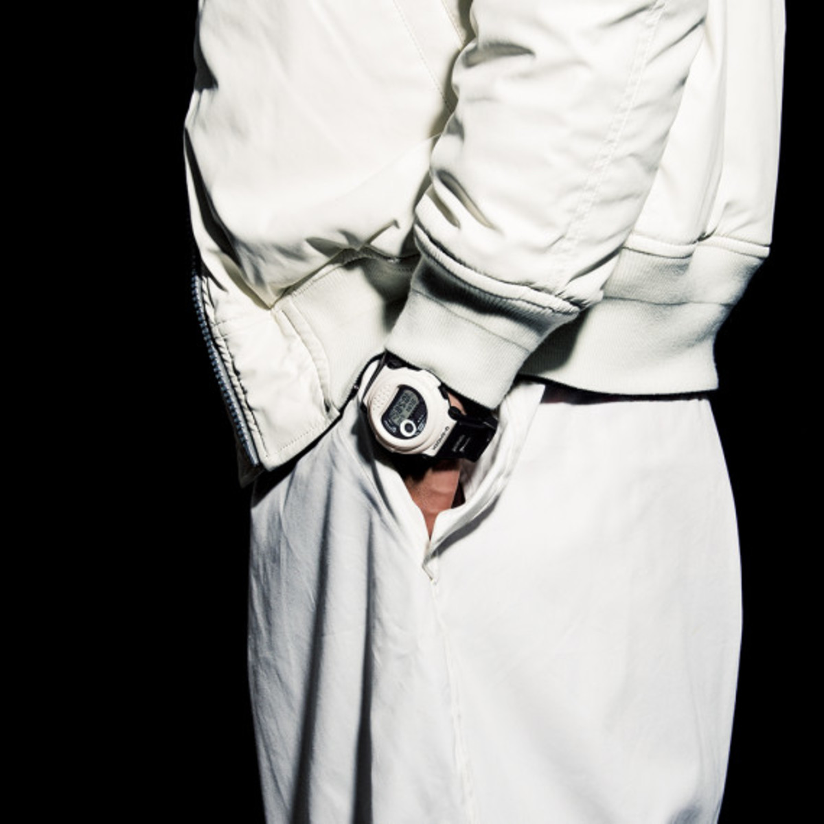 casio-g-shock-white-and-black-series-04