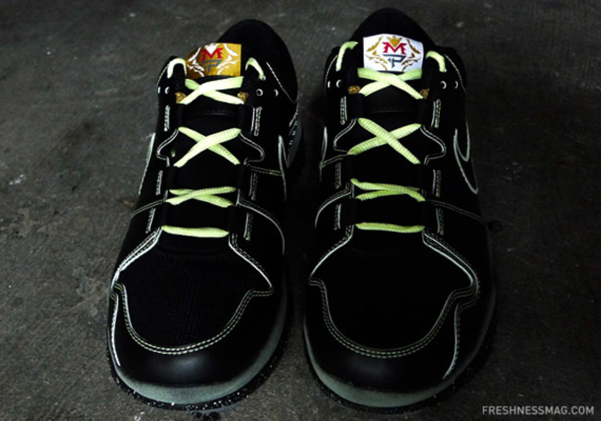 nike-manny-pacquiao-trainer-1-lights-07