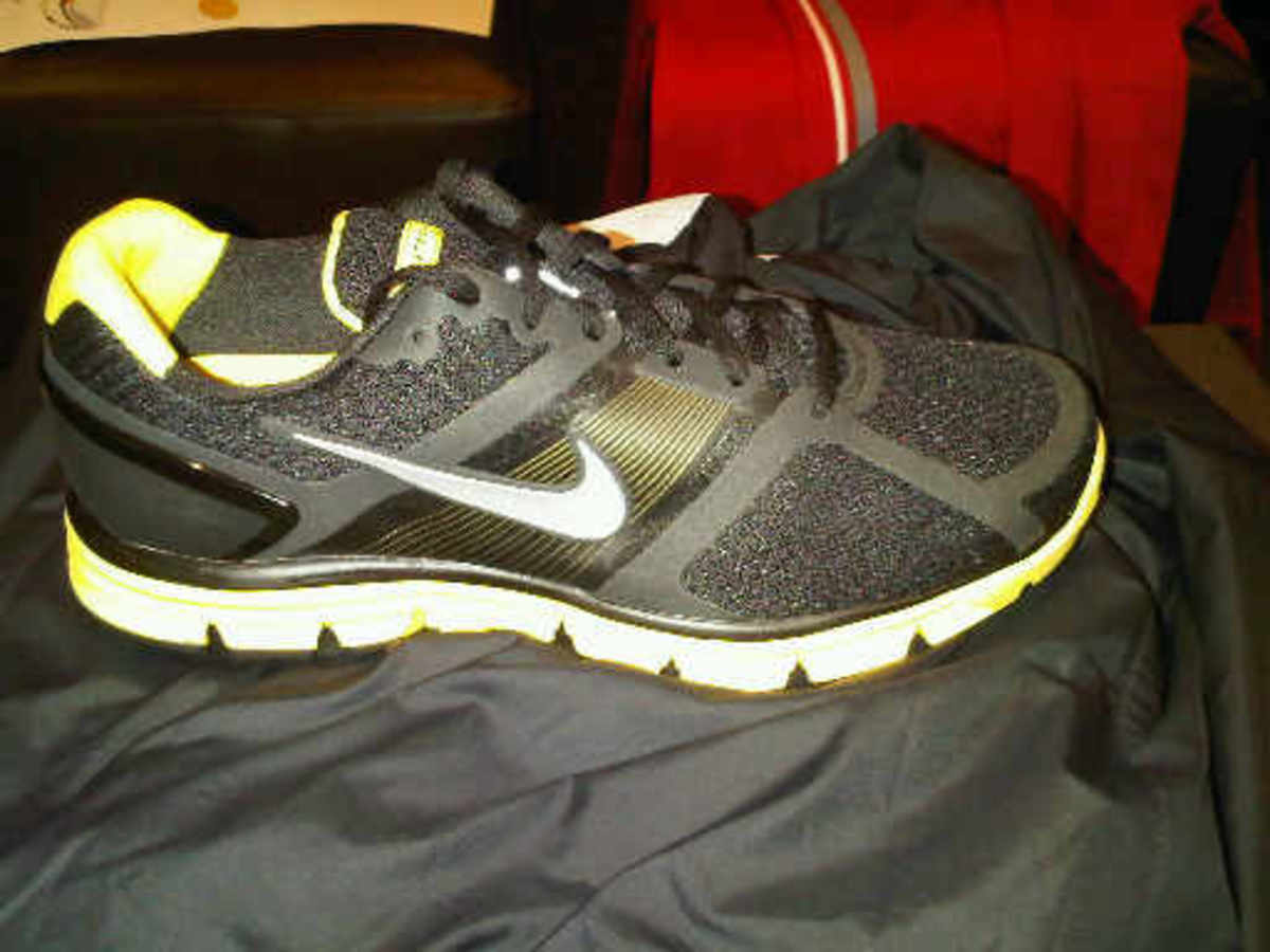 nike-lance-armstrong-lunar-glide-01
