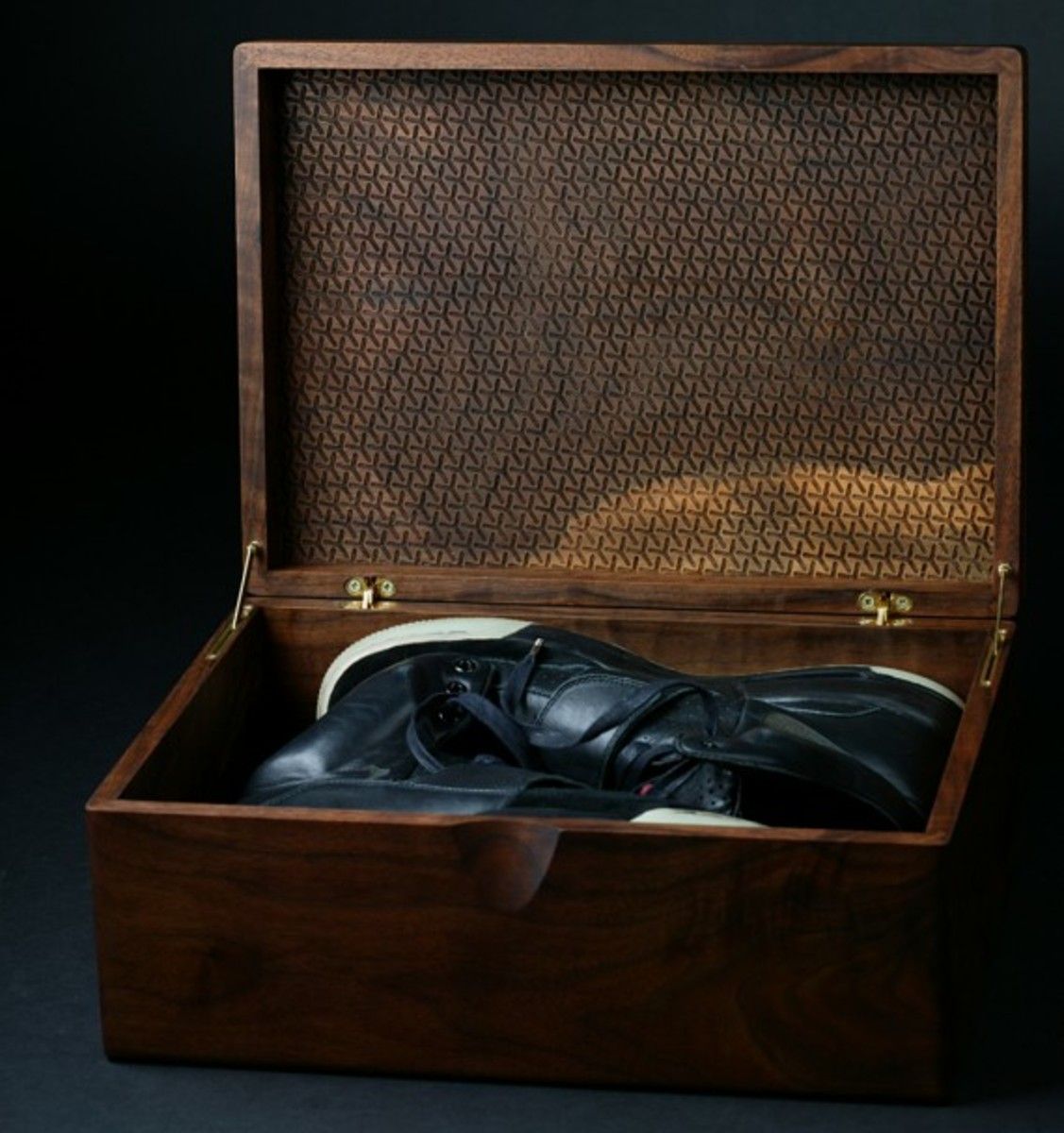 nike_air_yeezy_grammy_2