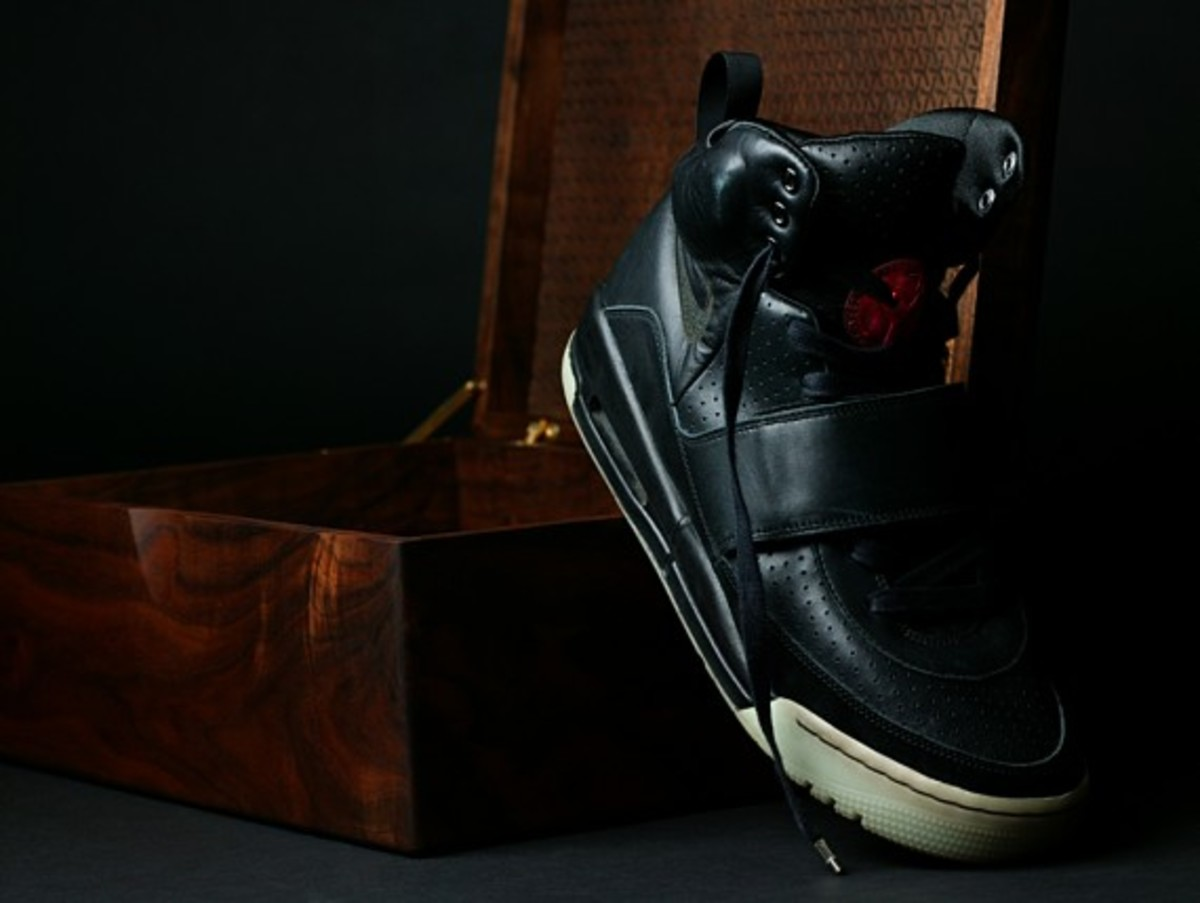 nike_air_yeezy_grammy_8