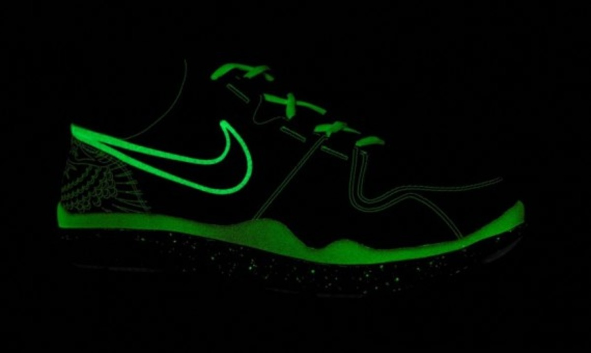 nike_pacquiao_trainer_lights_out_1