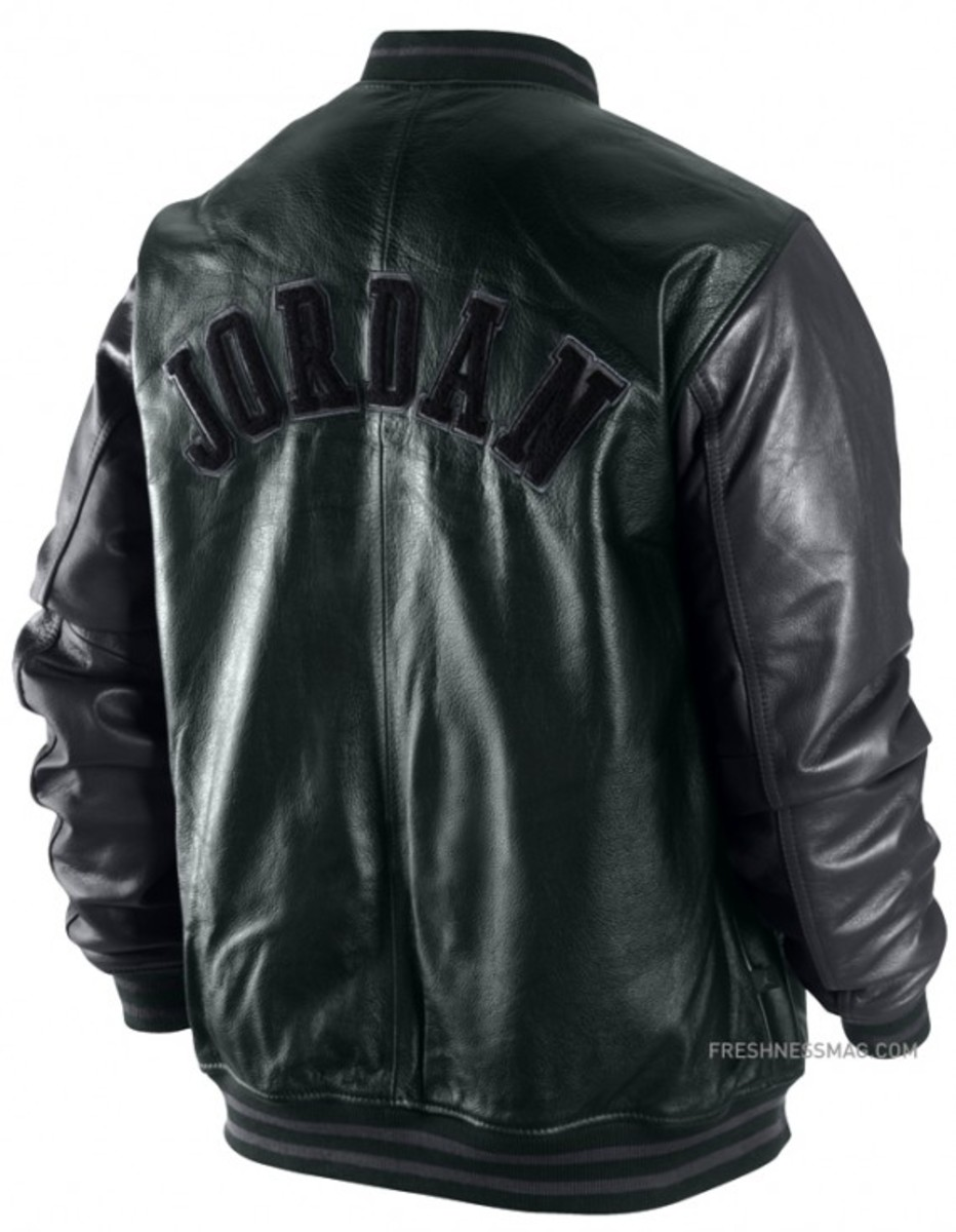 jordan-hall-of-fame-letterman-jacket-back-379937-010-01