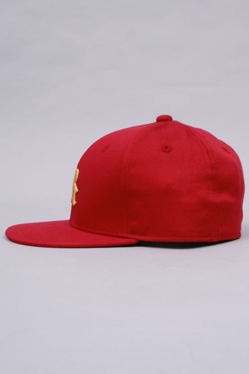 fitted-red-side