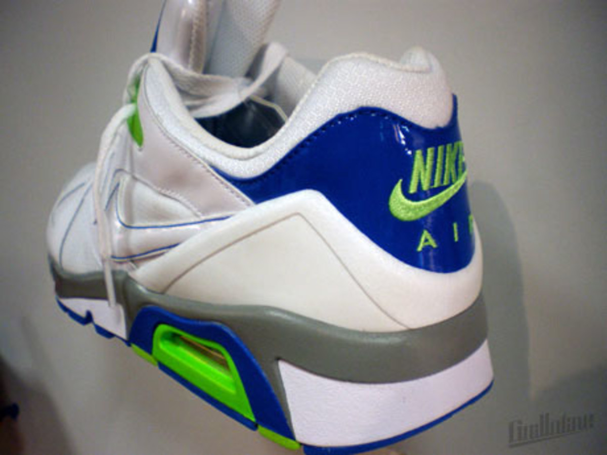 nike_air_structure_triax_91_4