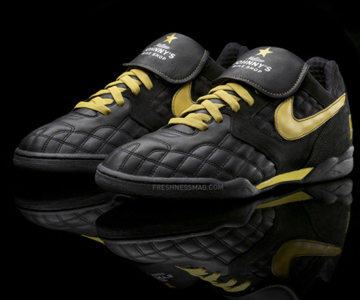 nike_sportswear_livestrong_air_zoom_tiempo_tz_5
