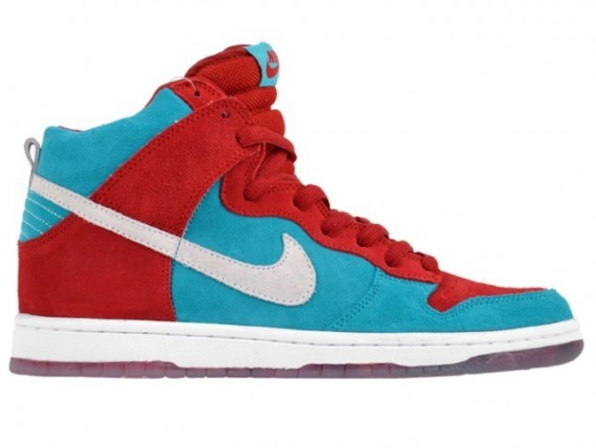 nike-sb-dunk-high-premium-bloody-gums-3