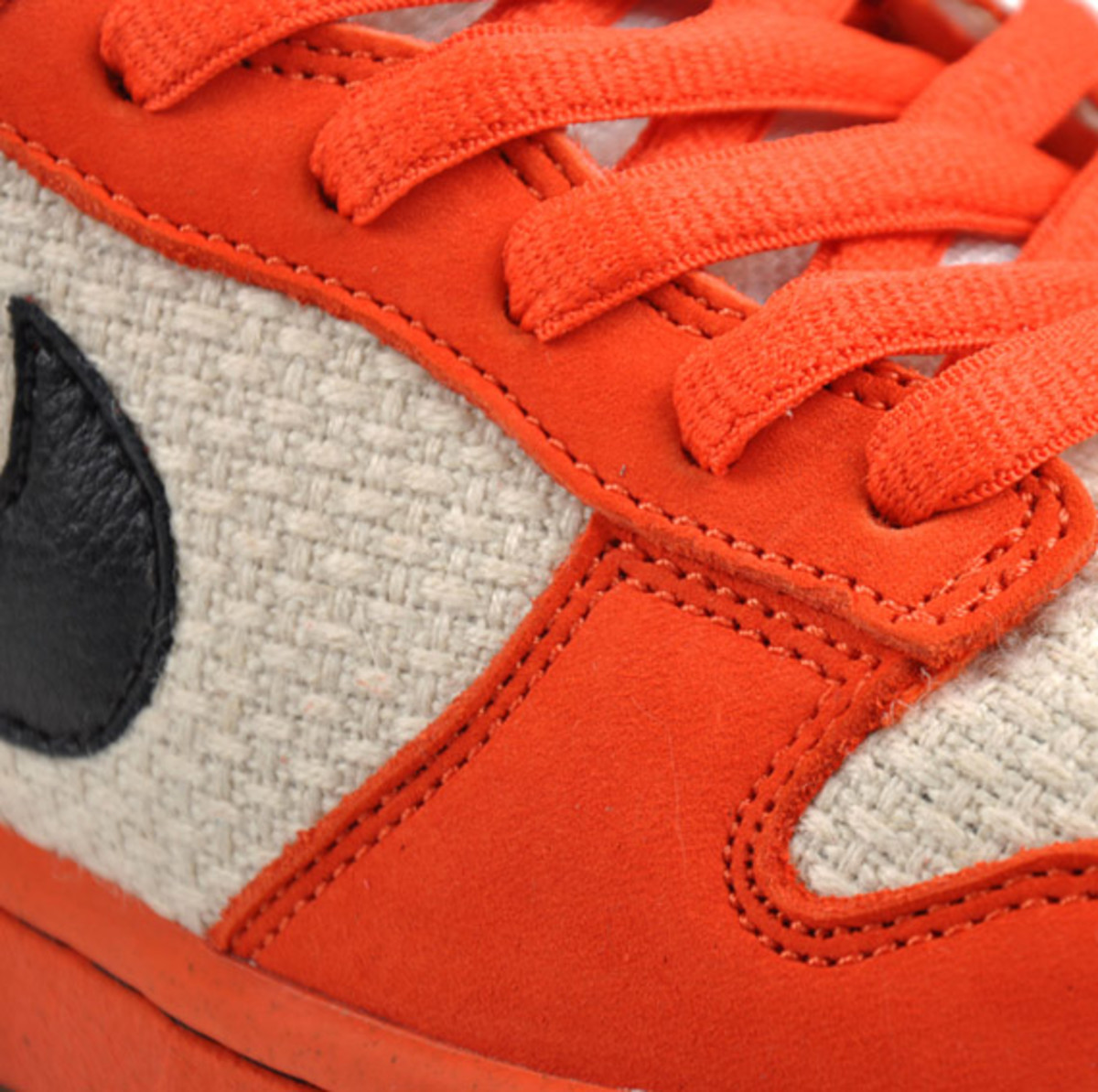 nike-sb-dunk-low-un-hemp-orange-1