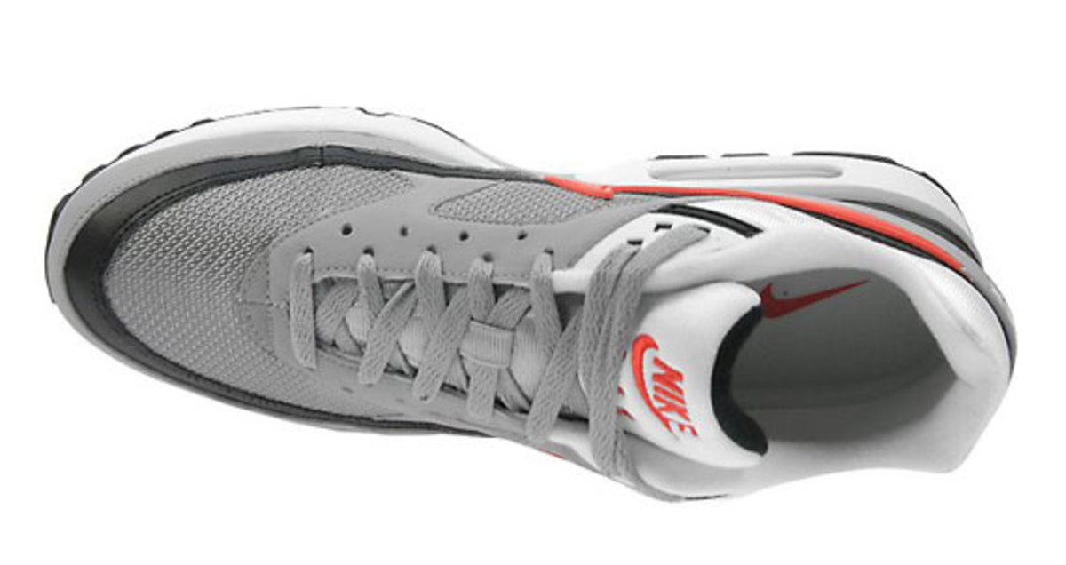 nike-air-classic-bw-silver-red-black-3
