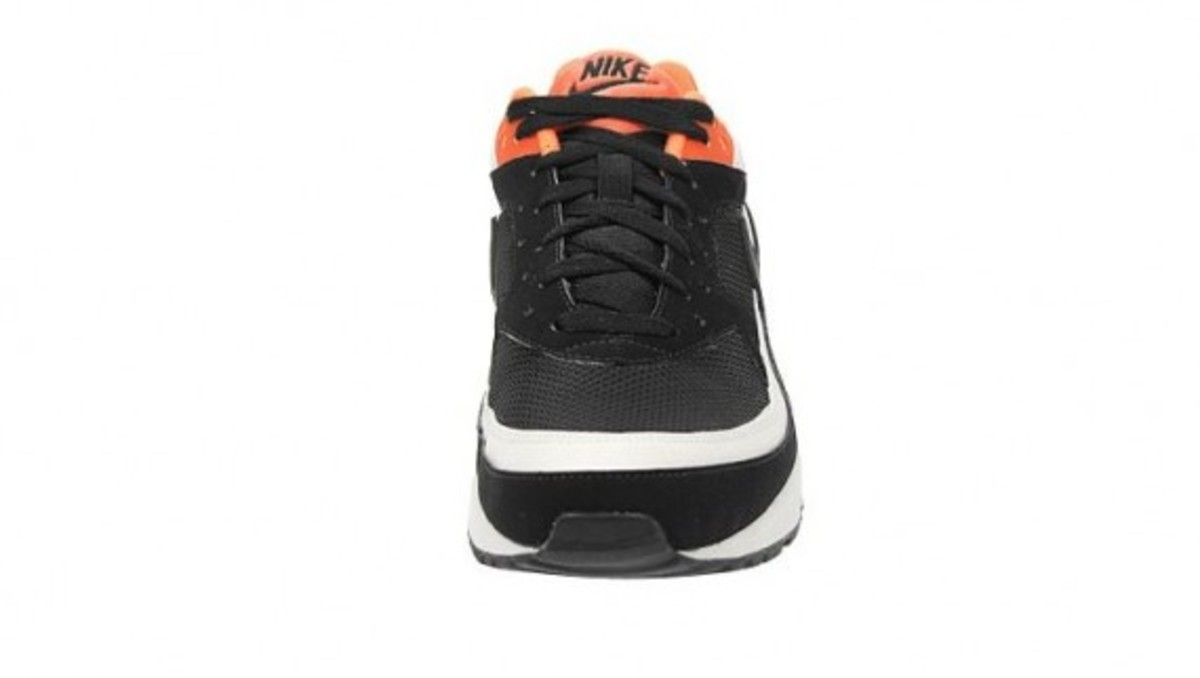 nike-air-classic-bw-black-white-neon-orange-4