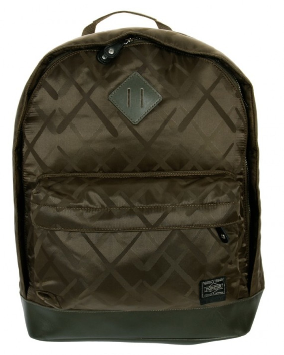 original-fake-porter-yoshida-khaki-day-backpack-01