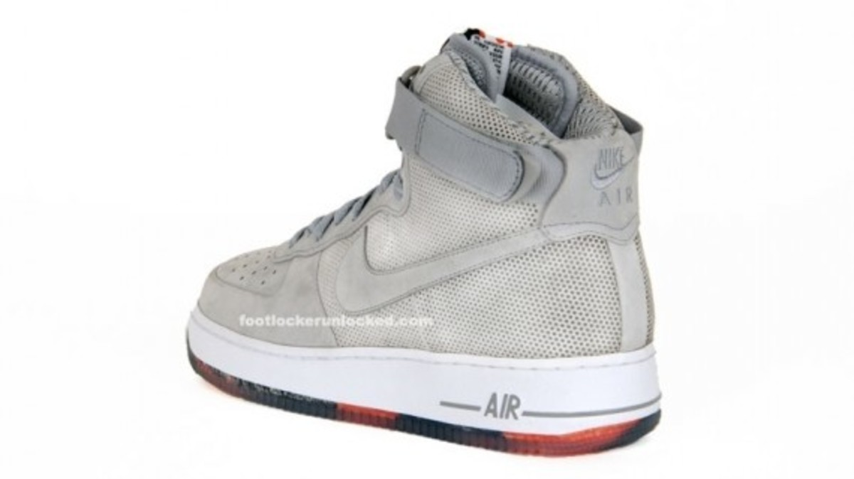 nike-x-futura-air-force-1-high-matte-silver-4