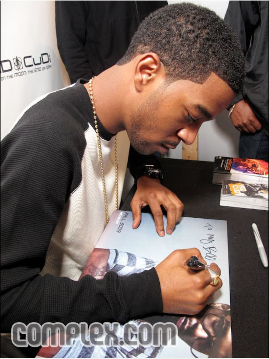 kid_cudi_boost_mobile_61