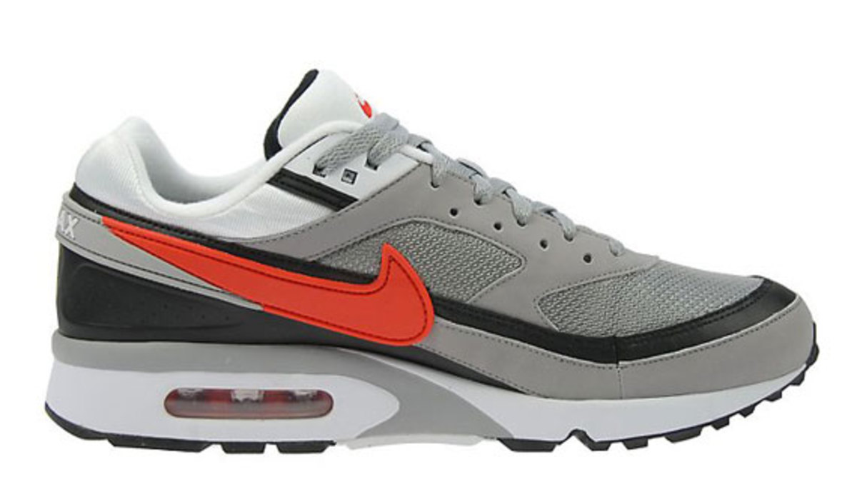 nike-air-classic-bw-silver-red-black-6