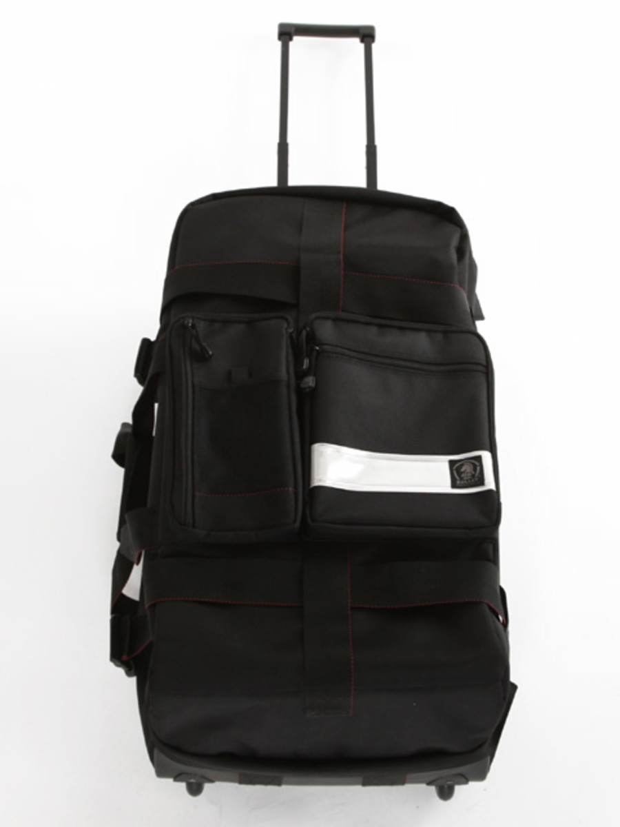travel-bag-black2