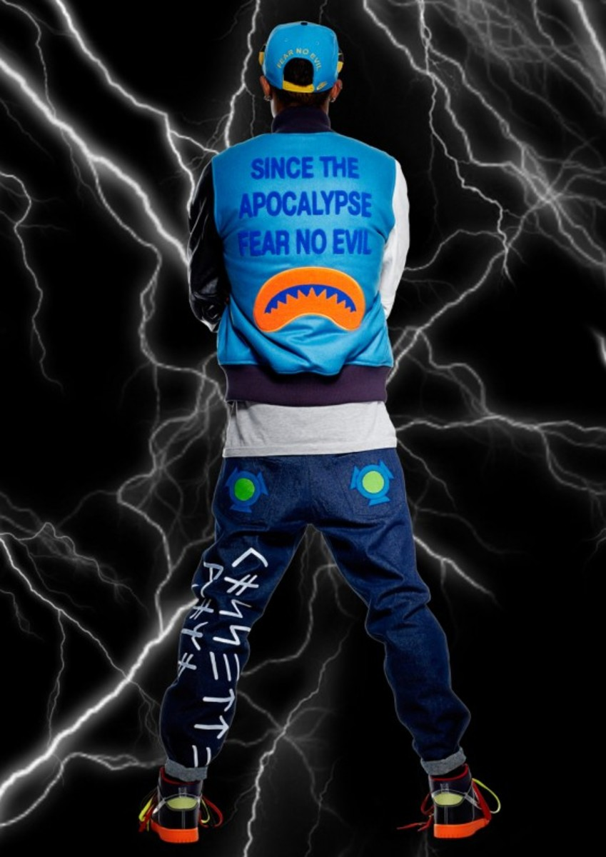 nike-sportswear-cassette-playa-colab-rivalry-collection-03