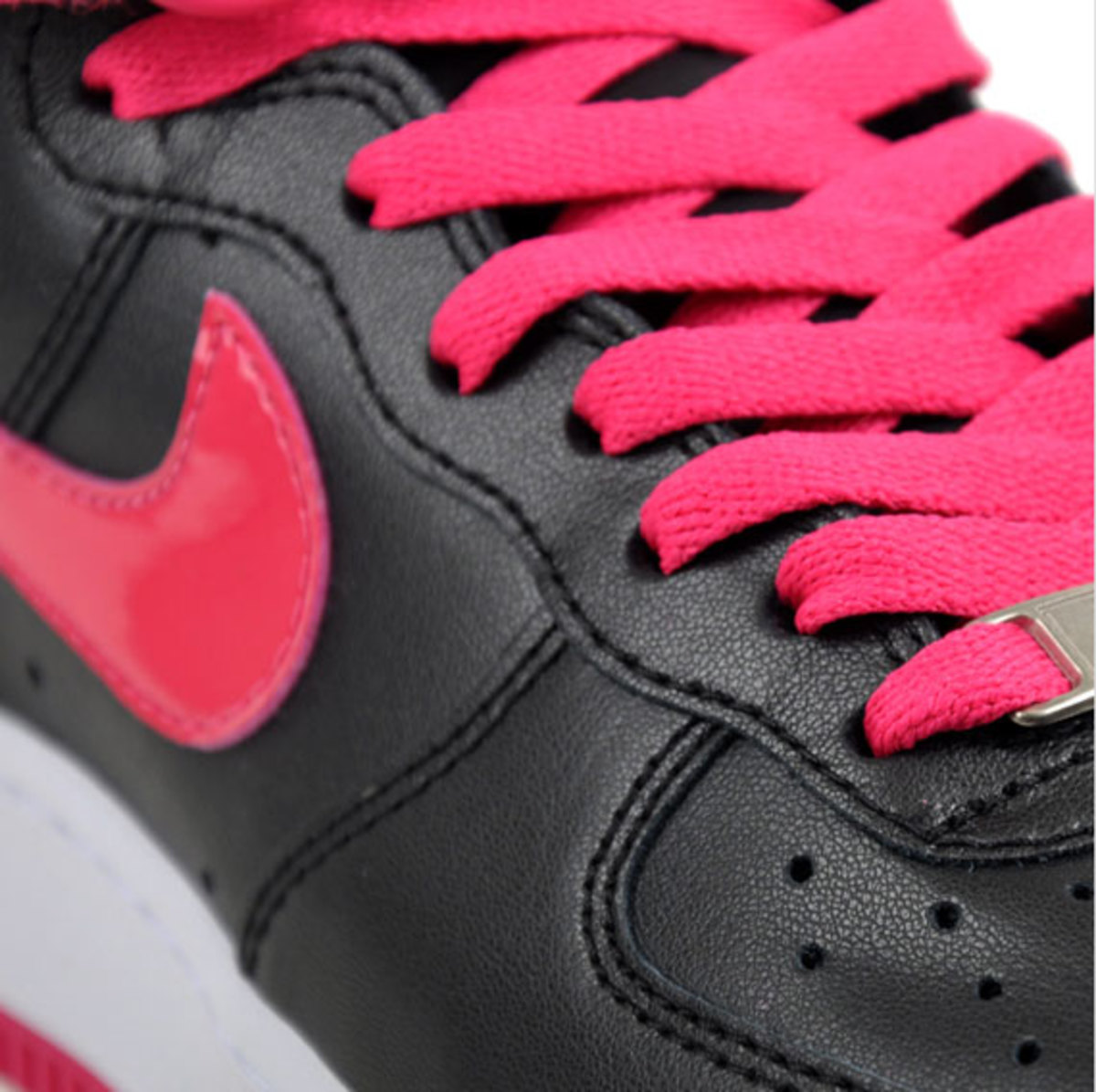 nike-wmns-air-force-1-high-black-pink-3