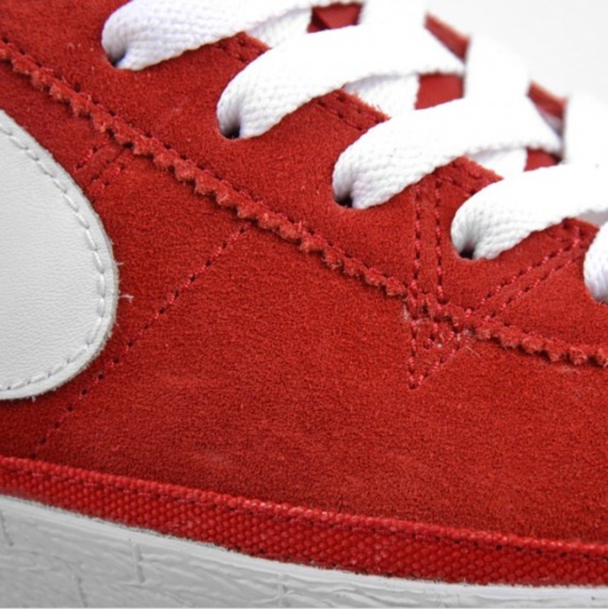 nike-sb-bruin-low-sport-red-white-1