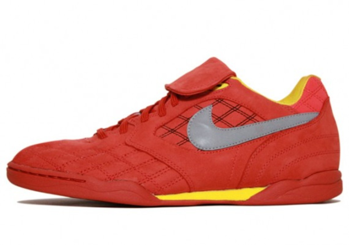 nike-x-livestrong-air-zoom-tiempo-tier-zero-pack-4