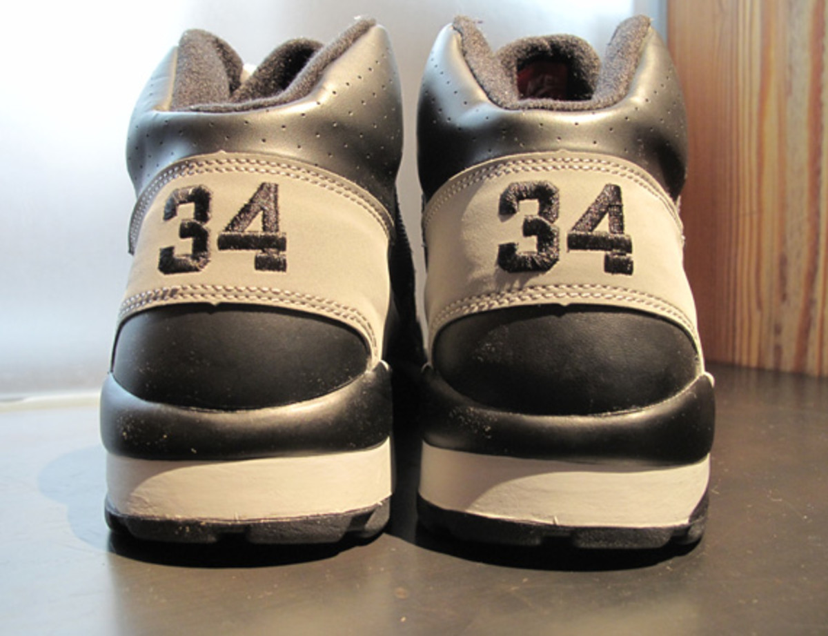 air-trainer-sc-high-bo-jackson-34-3