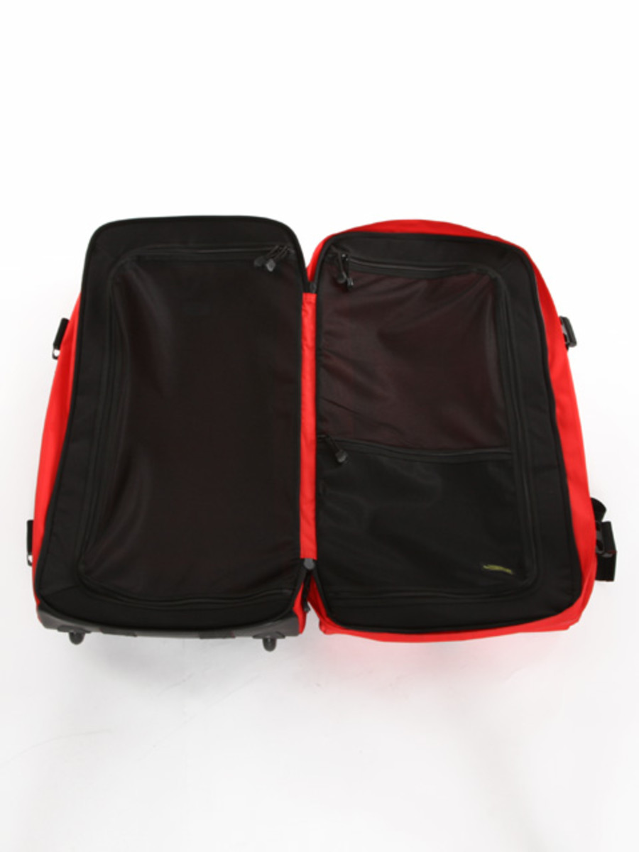 travel-bag-red3
