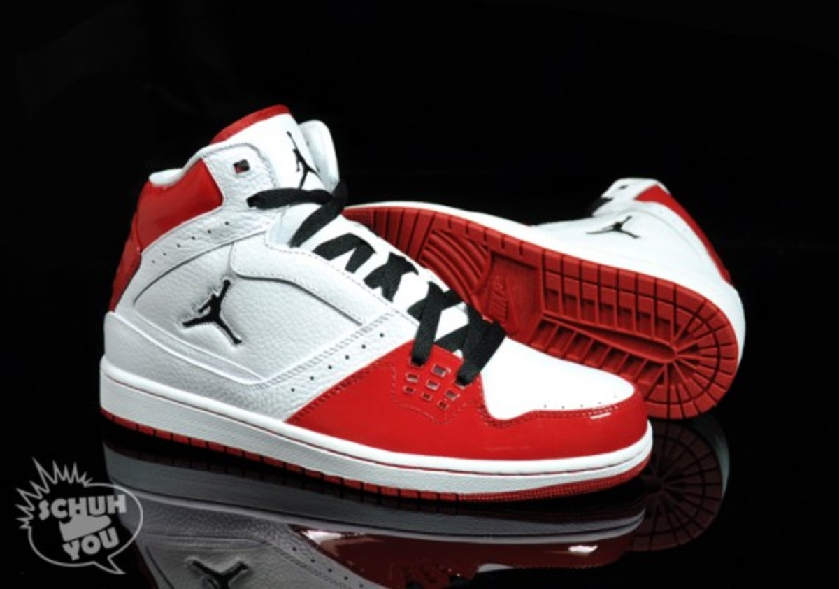 jordan_1_flight_hi_red_03