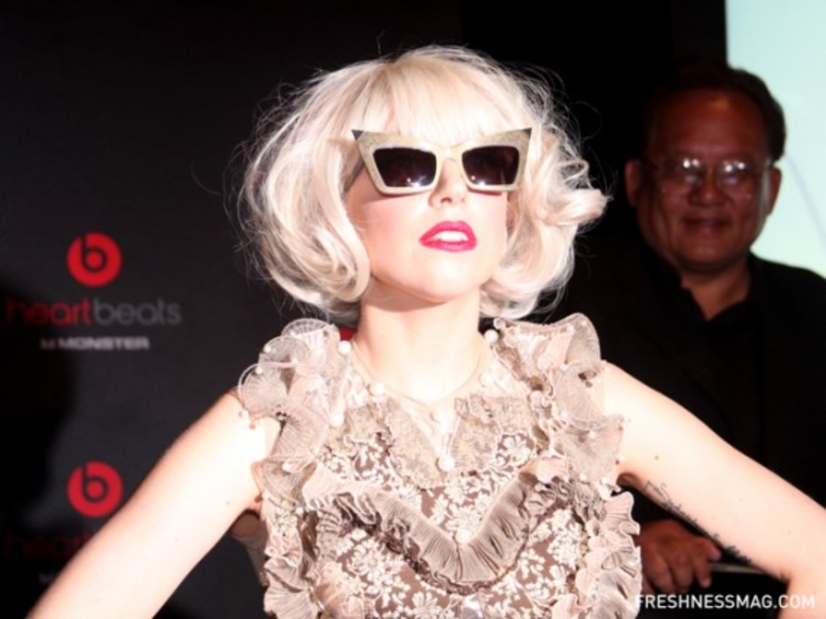 monster-lady-gaga-heartbeats-event-14