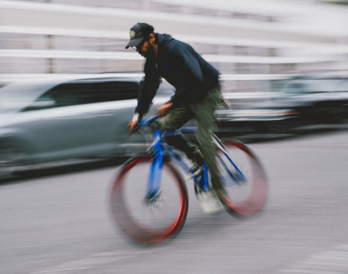 Giveaway Winner: Dave's Wear House x Freshness – Another Whip Bicycle in Matte Iridescent Blue - 9