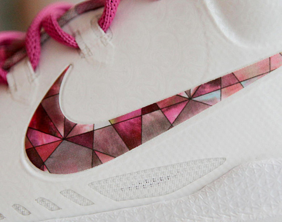 nike-kd-v-aunt-pearl-2013-kay-yow-collection-03