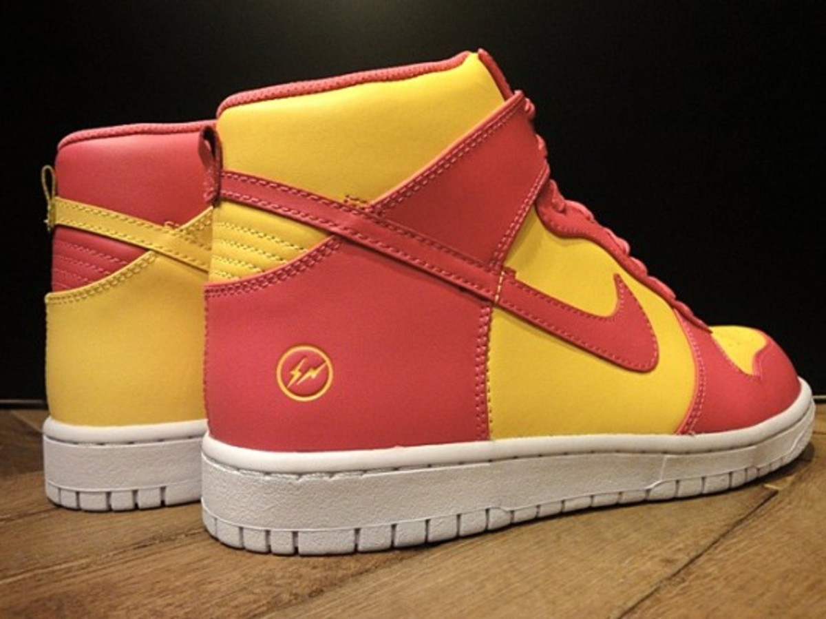 fragment-design-nike-dunk-high-premium-tz-a02