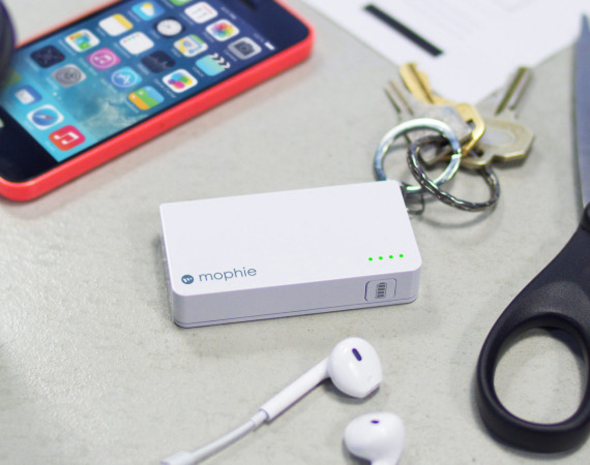 Mophie - Power Reserve with Integrated Lightning Connector - 1