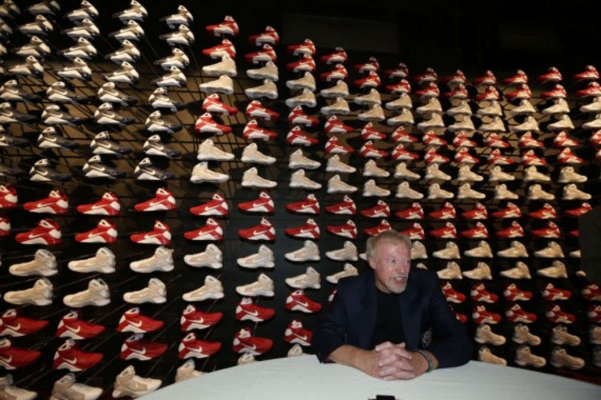 nike-co-founder-phil-knight-naismith-basketball-hall-of-fame-01