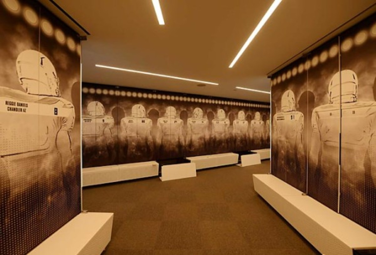 University of Oregon Football Performance Center By ZGF Architects & Firm 151 | An Inside Look - 11
