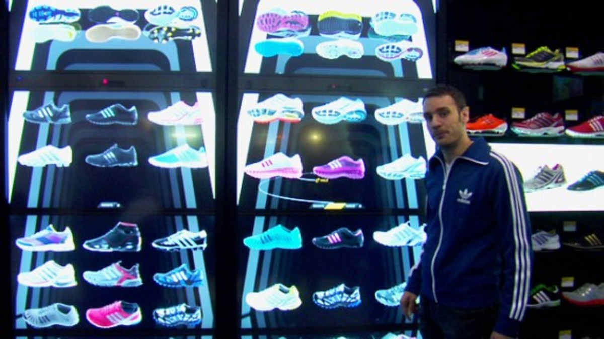 intel-adidas-virtual-footwear-wall-02
