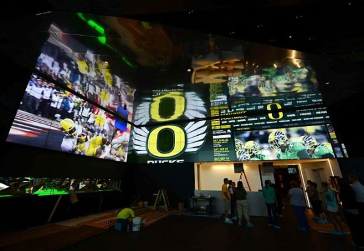 University of Oregon Football Performance Center By ZGF Architects & Firm 151 | An Inside Look - 8