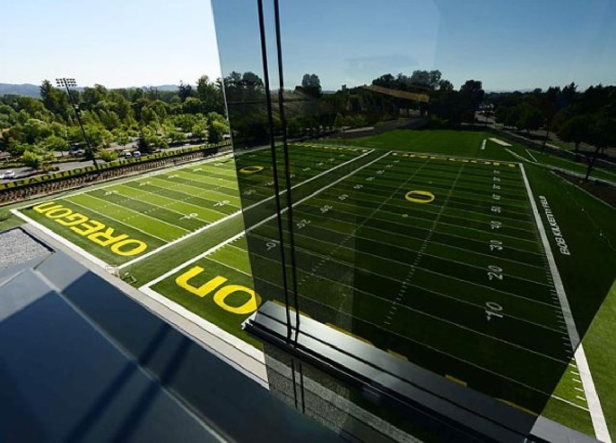 University of Oregon Football Performance Center By ZGF Architects & Firm 151 | An Inside Look - 4