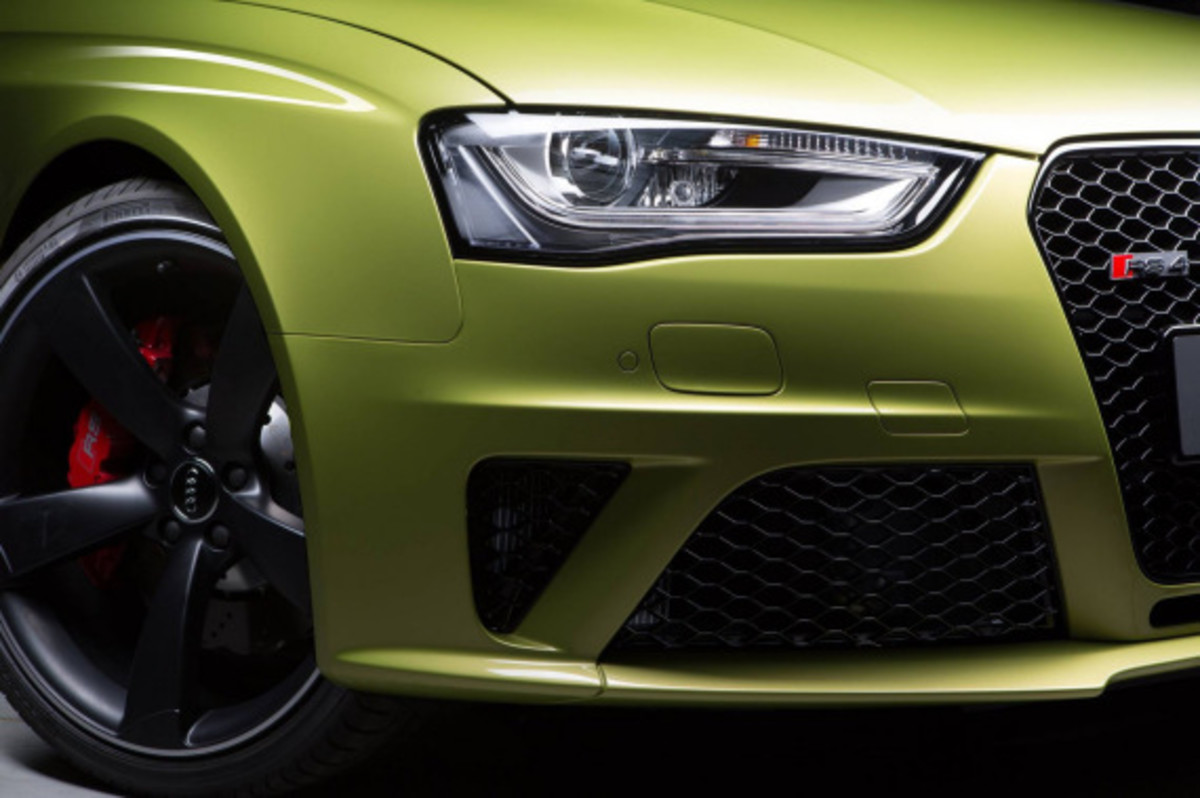 Audi Exclusive RS 4 Avant Custom in Volt Colorway - 1